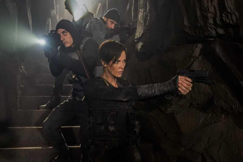 Боевик «Бессмертная гвардия» с Шарлиз Терон бьет рекорды Netflix