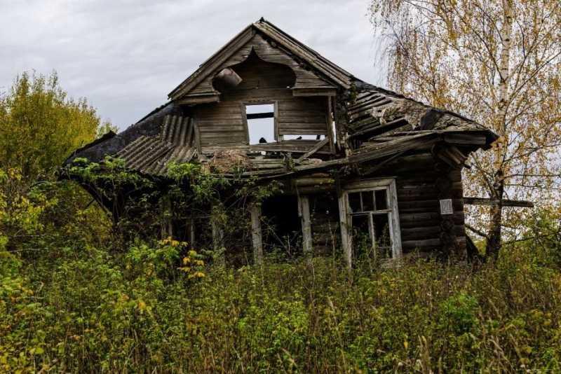 Умирающие деревни: как выглядят брошенные дома, где замерло время?