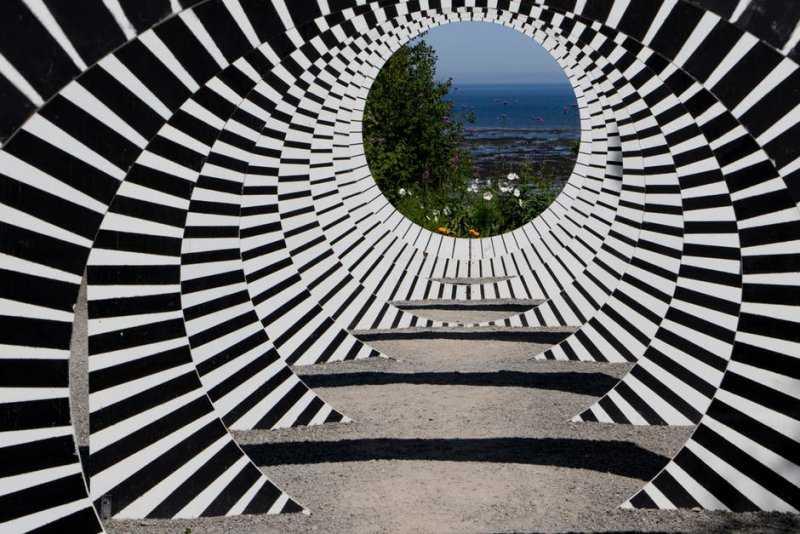 Оптические иллюзии: как мозг нас обманывает