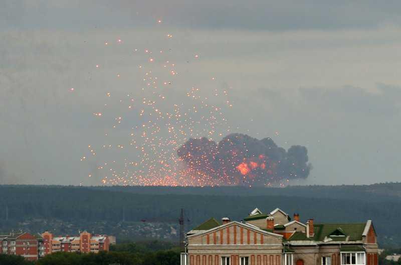 Взрывы и пожар на территории воинской части в Красноярском крае