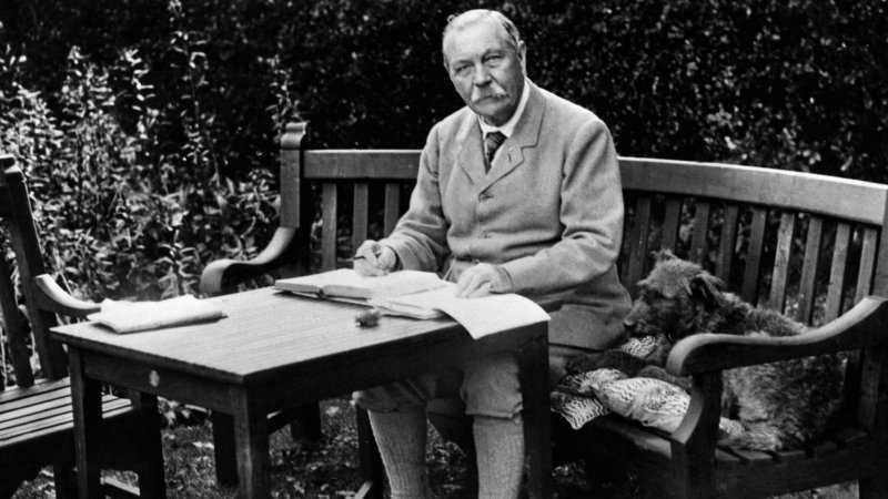 Неизвестный Артур Конан Дойл: как писатель общался с духами и пропагандировал спиритизм