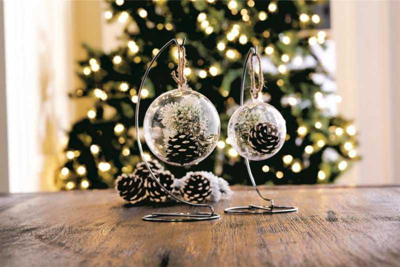 Как украсить дом к Новому году: советы из книг