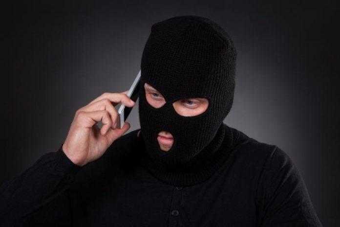 Что делать, если кто-то позвонил на телефон и сразу отключился?
