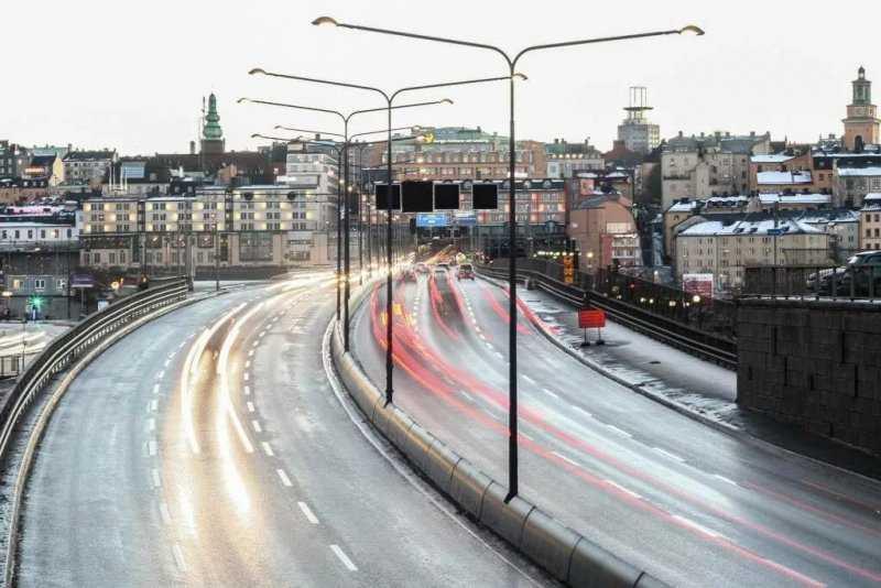 Новый эксперимент на дорогах — платные перекрестки