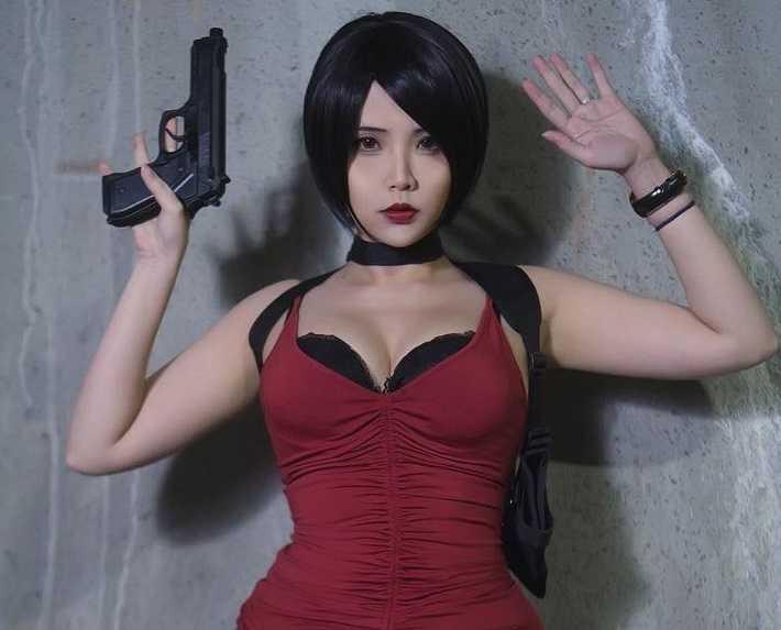 Resident Evil: Ада Вонг косплей от Hana Bunny