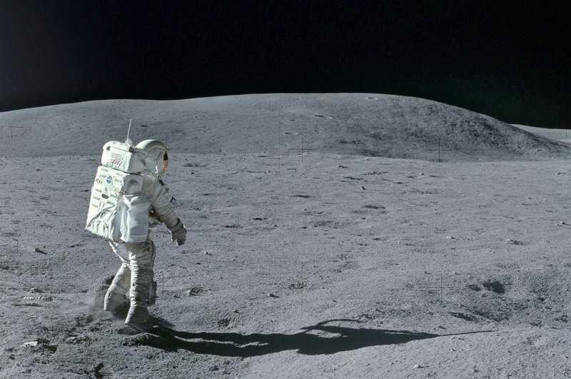 Покорение Луны: триумф и трагедия