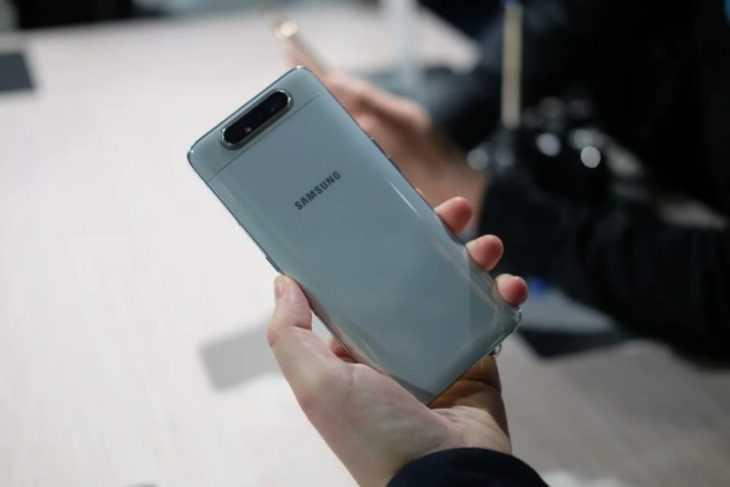 Блогер показал уникальный механизм камеры Samsung Galaxy A80 [ВИДЕО]
