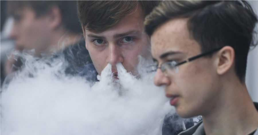 В России зафиксировали первый случай болезни вейперов