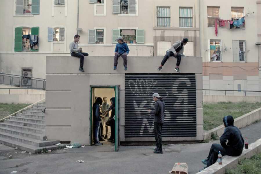 barselona 10 1024x683 1 - На дне Парижа: как живут обитатели французского гетто