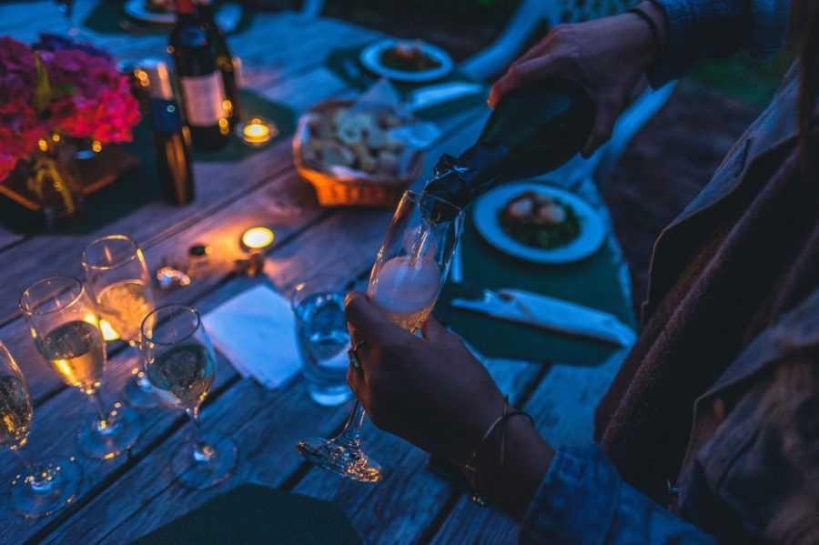 bolshe shampanskogo no menshe piva nazvany samye pjushhie regiony rf - Больше шампанского, но меньше пива: названы самые пьющие регионы РФ в 2021 году