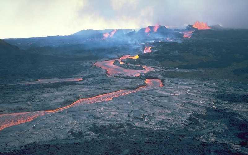 skoro mozhet proizojti izverzhenie vysochajshego vulkana zemli - Скоро может произойти извержение высочайшего вулкана Земли