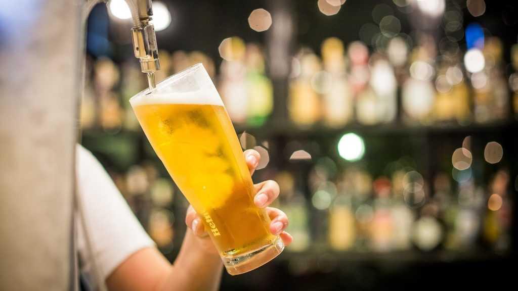 В США привившимся от COVID-19 дадут бесплатное пиво