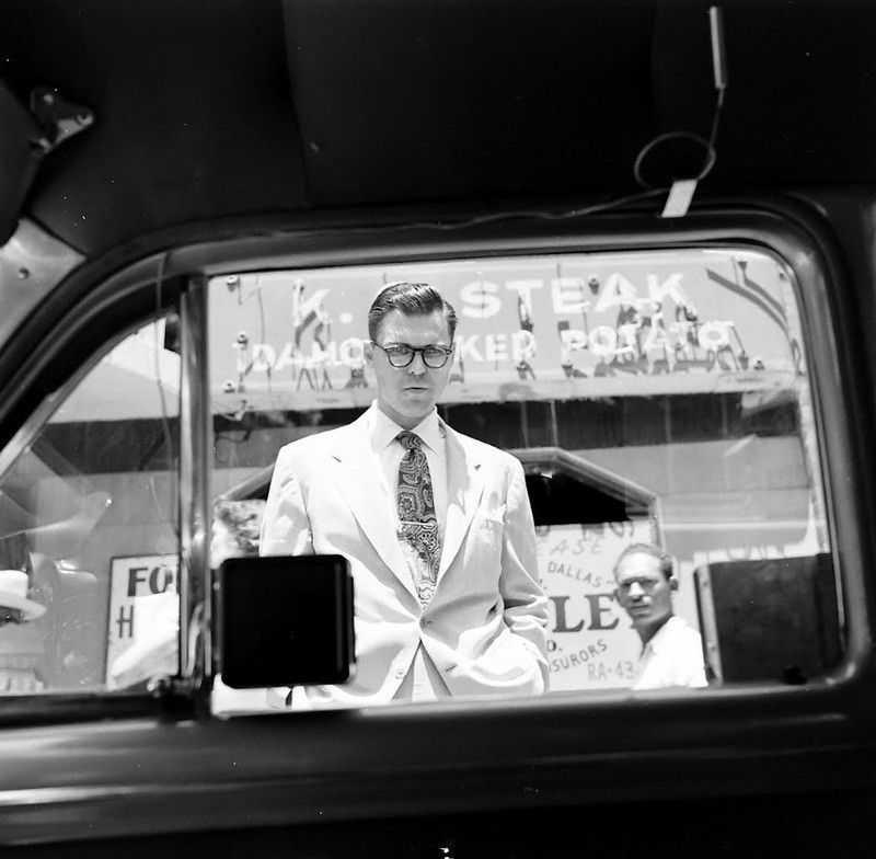 1952 ford air conditioner 5 - Холодный воздух навынос: как охлаждали автомобили до эпохи кондиционеров