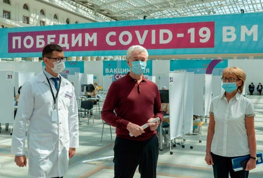В столичном Гостином дворе открылся крупнейший в России центр вакцинации