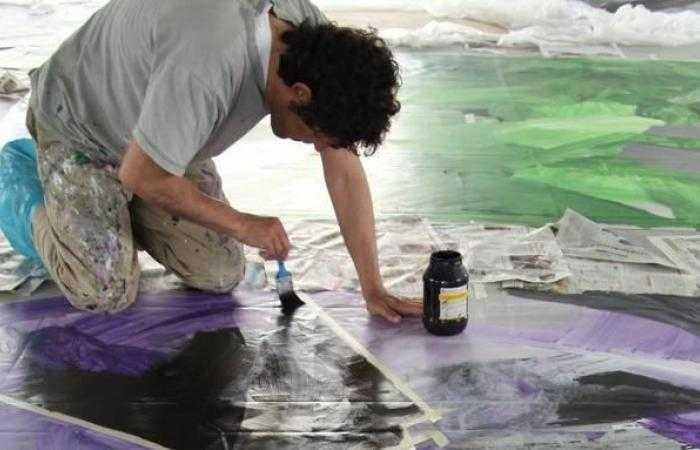 Мужчина из Флориды хочет засудить художника, который продал невидимую скульптуру — за кражу идеи