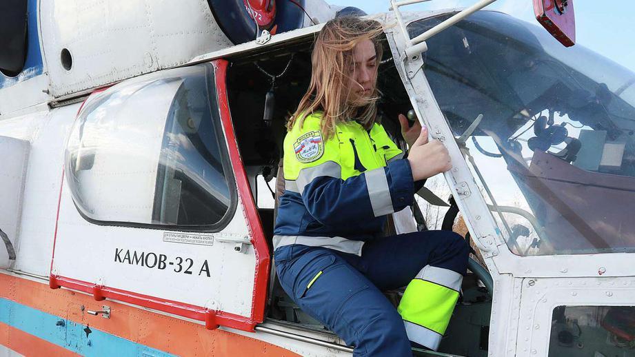 В России женщинам разрешили работать авиамеханиками и обслуживать самолеты