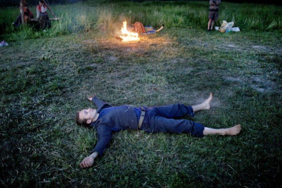 solnczestoyanie 15 1024x682 1 - Солнцестояние: прыжки через костер идругие языческие обряды— вобъективе норвежского фотографа