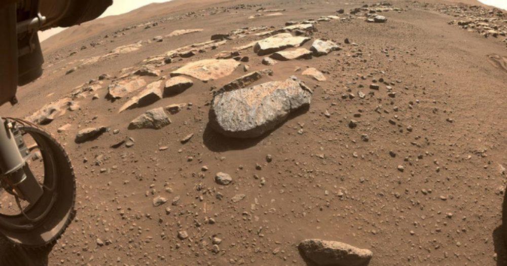 Марсоход Perseverance добыл первый образец грунта с Марса